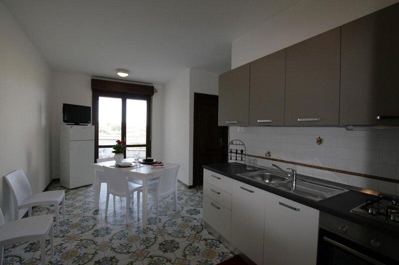 Residence Le Magnolie Appartamento per tre persone – semesterbostad i Villa Rosa di Martinsicuro