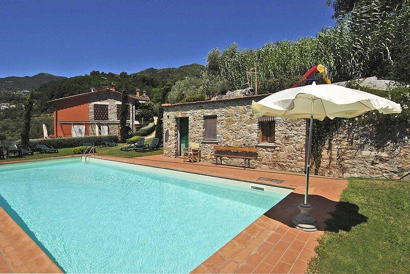 Casetta di Butia, Ginestra apartment with swimming pool, holiday rental in Borgo a Mozzano