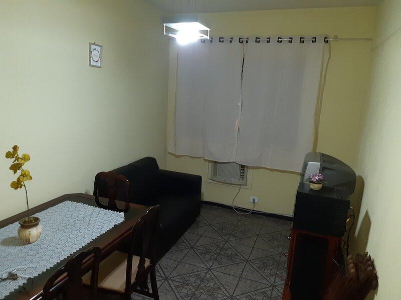 APARTAMENTO MADUREIRA CONDOMÍNIO ARGUS, alquiler vacacional en Duque de Caxias