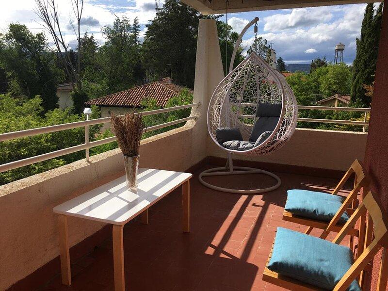 Apartamento con vistas al lago en el Pantano de Entrepeñas, aluguéis de temporada em Sacedon