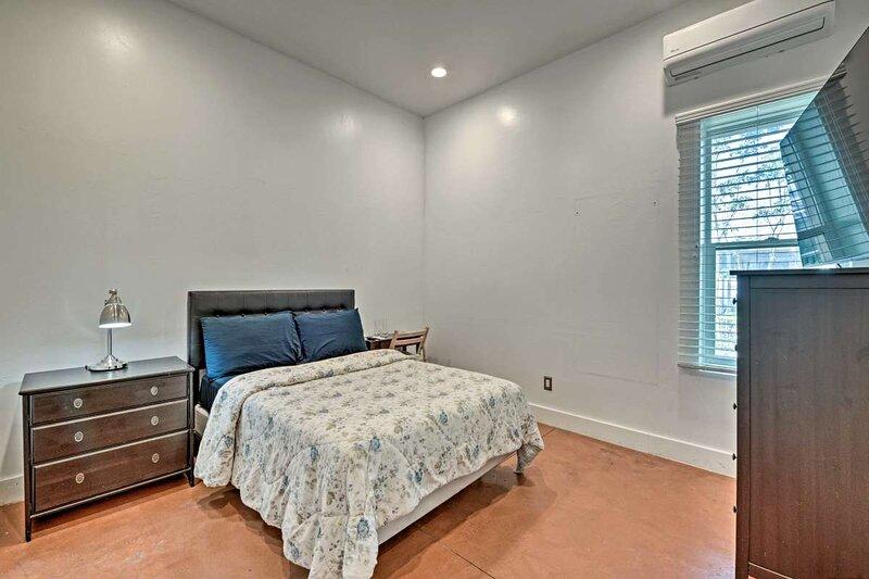 Luxury master 2, en-suite bath, pets OK, best loc., holiday rental in West Valley City