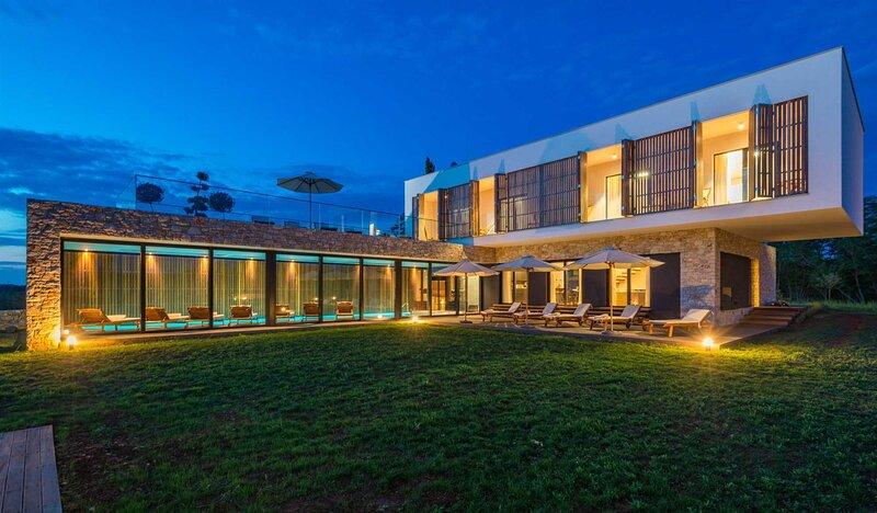 Villa Opulence with Pool, vacation rental in Baderna