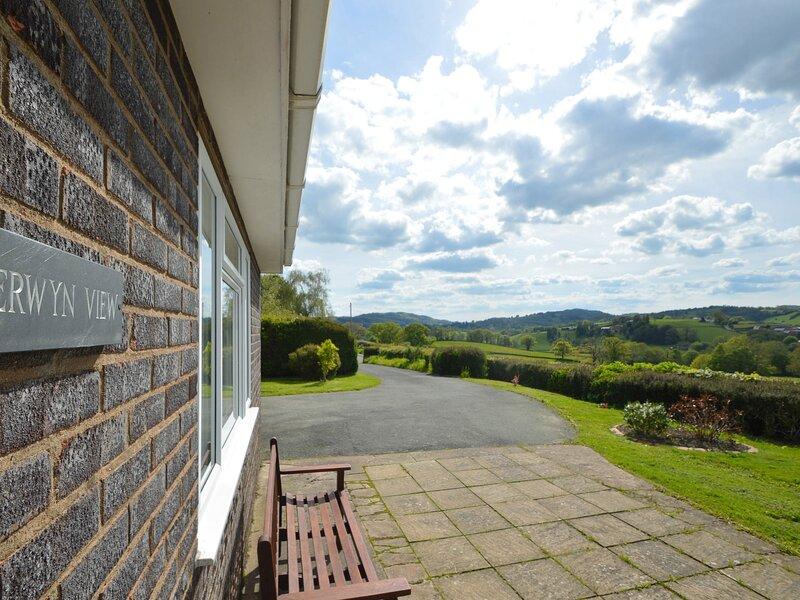 Berwyn View, Welshpool, holiday rental in Kingswood
