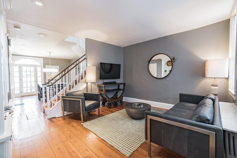 Society Hill Historic Home (4 bedroom), Ferienwohnung in Collingswood