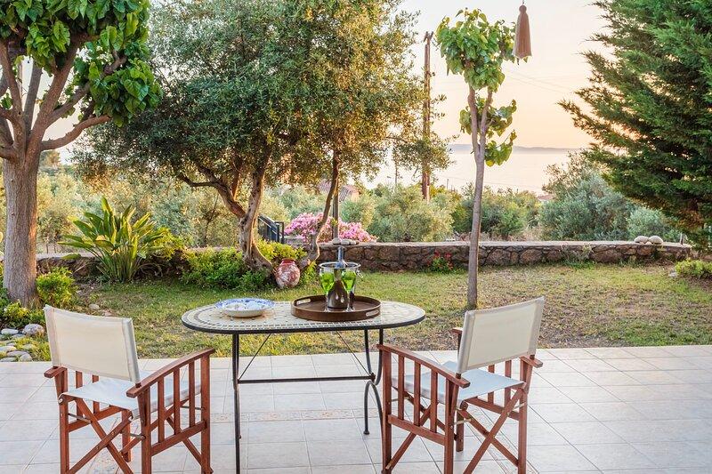 Villa Lavender, Breathtaking view, near the beach, alquiler de vacaciones en Selinitsa