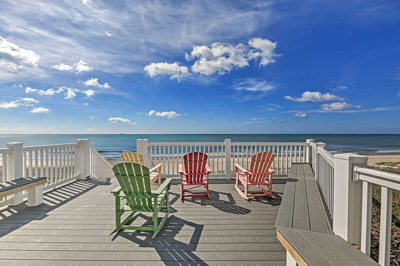 NEW! Condo w/ Partial Ocean View on Indian Beach!, vacation rental in Salter Path