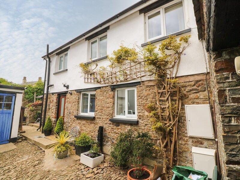 Courtyard Cottage, Chittlehampton, vacation rental in Burrington