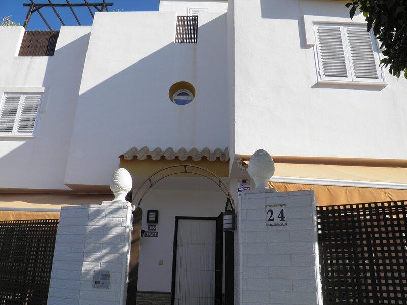 ALOJAMIENTO LOS CORRALES CHIPIONA, alquiler de vacaciones en Chipiona