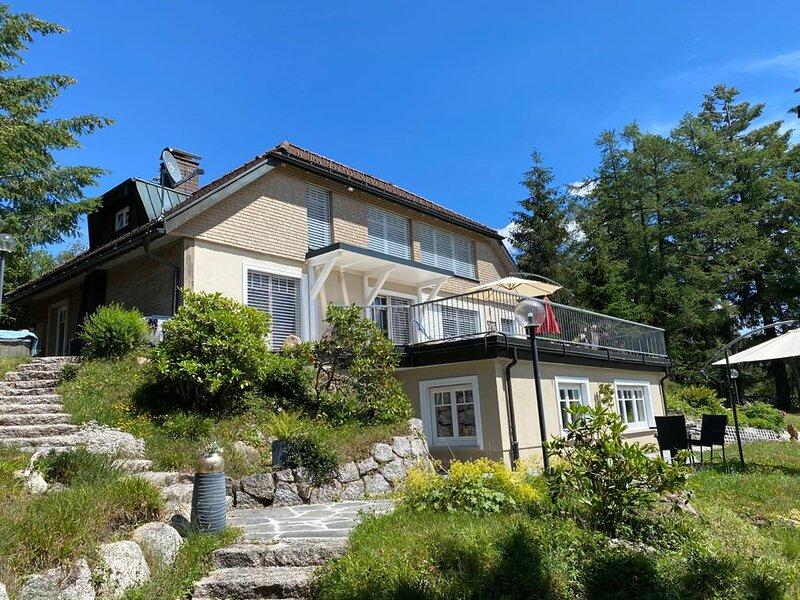 Seepark Schluchsee, direkt am See und Sandbadestrand, in eigenem Park., location de vacances à Lenzkirch