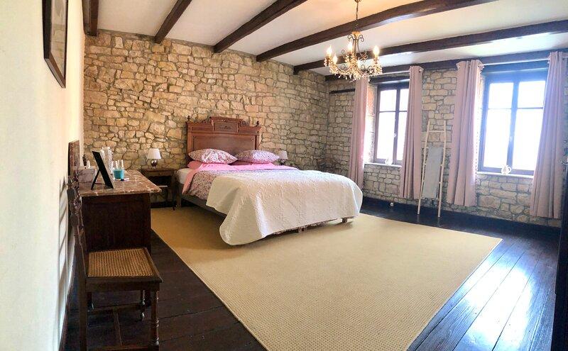 Romantic 18th century cottage, location de vacances à Anrosey