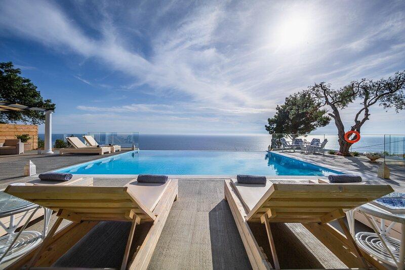 Ocean View - Luxury Villa Nefeli, alquiler de vacaciones en Corfú