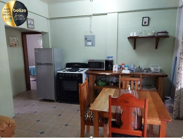 HomeHill Apartments/Vacation Rentals Apt. #2, vacation rental in Cayo