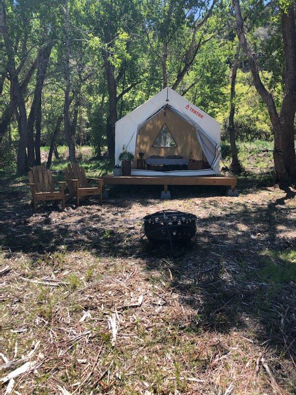 Tentrr Signature Site - Los Pinos River Camp, alquiler de vacaciones en Bayfield