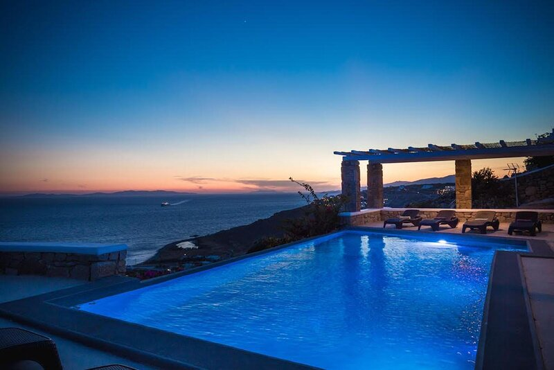 Villa Basil in Mykonos Private pool Breathtaking sunset view , holiday rental in Choulakia