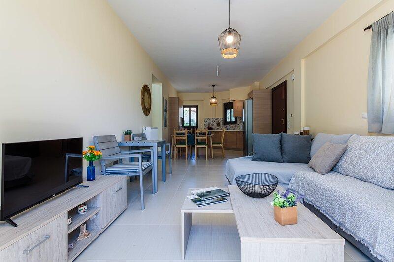 A Step away to the Beach - Armonia Bespoke Design, location de vacances à Mikri Mantineia