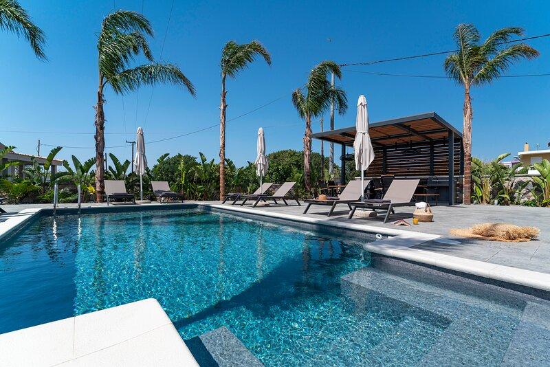 Palmeral Luxury Suites - Robelini First Floor, holiday rental in Theologos