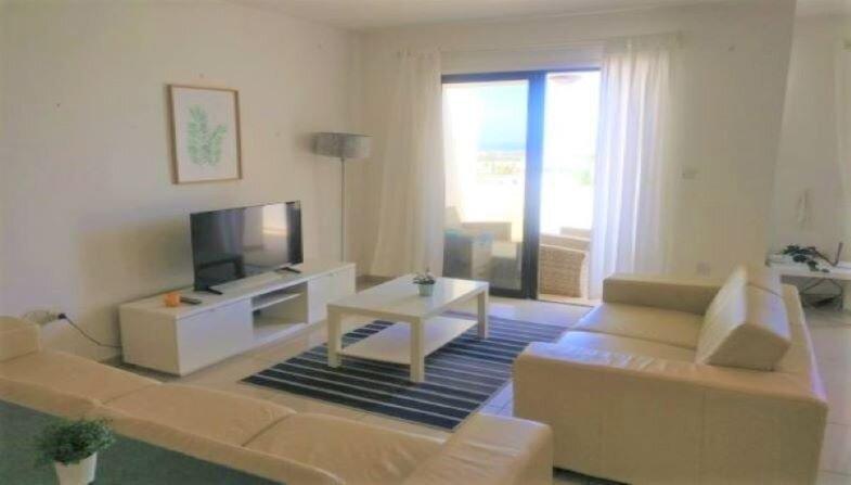 Modern duplex flat with wifi, amazing full seaviews and pool area, holiday rental in Oroklini