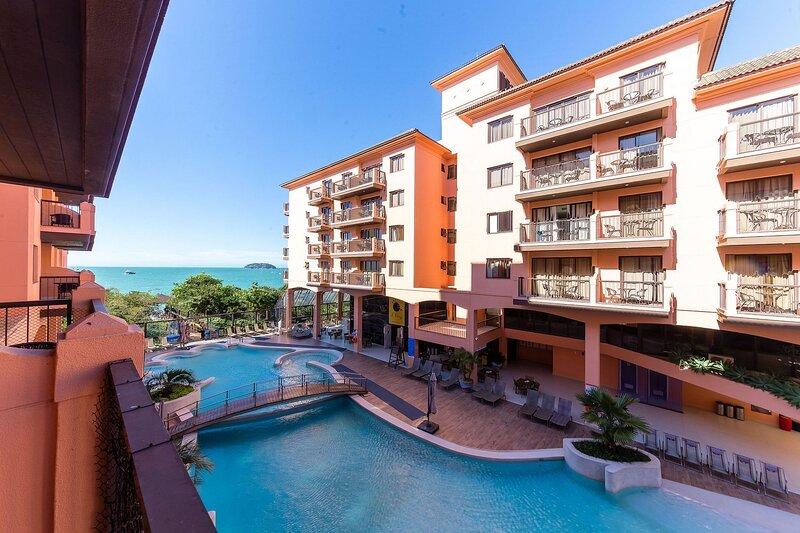 Estúdio vista mar e piscina Resort Pé na Areia JBV134, aluguéis de temporada em Santo Antônio de Lisboa