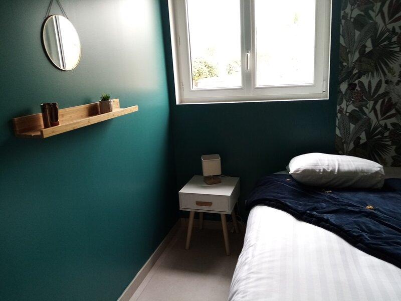 Maison neuve avec bassin et extérieur détente, holiday rental in Castelnau-de-Guers