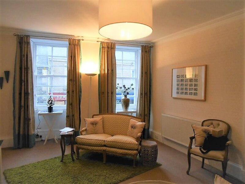 Montrose Apartment, alquiler vacacional en Abbotsford