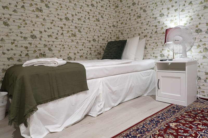 Cozy guest room with best location in Stockholm, 10m 2 – semesterbostad i Lidingö