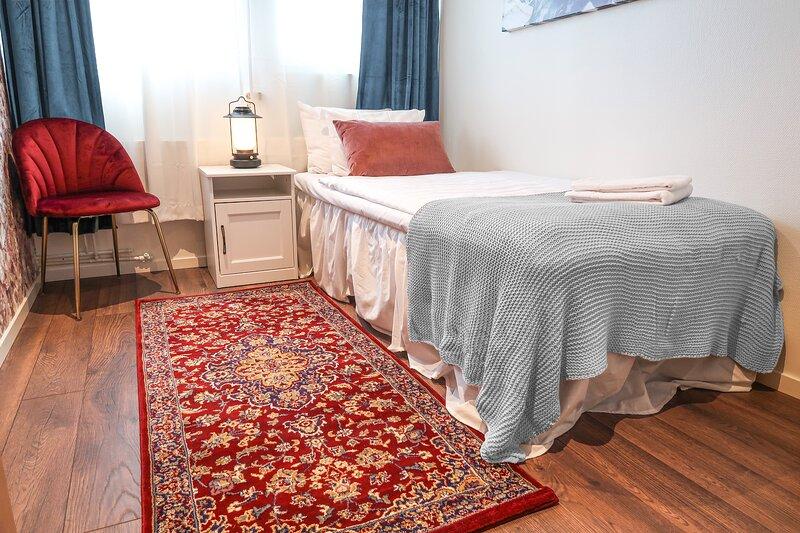 Best location in Sodermalm Stockholm, cozy guest room single bed 10m 2, alquiler de vacaciones en Bromma