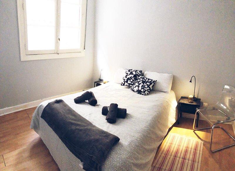 MAZARREDO 43 by The Urban Hosts, aluguéis de temporada em Fika