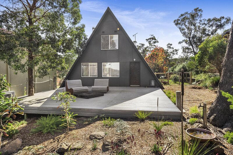 Unique Blue Mountains Hideaway with Log Fire, casa vacanza a Katoomba