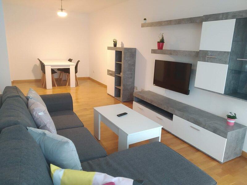 Un Apartamento nuevo en Muxia2G, vacation rental in Nemina