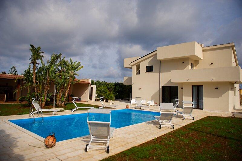 TiPino Affittacamere accogliente con piscina, vacation rental in Erice