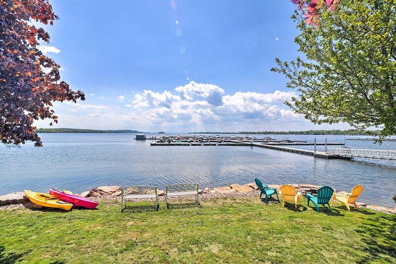 NEW! Lake Champlain Home with Decks, Kayaks & More, casa vacanza a Highgate Springs