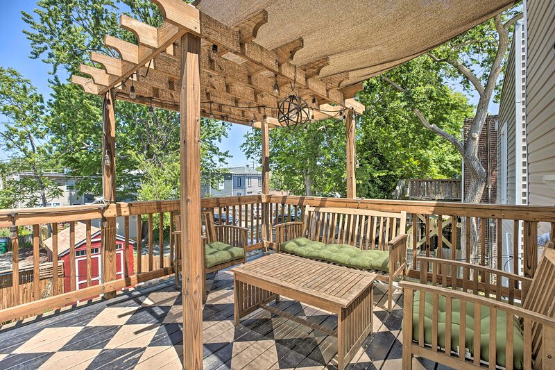 NEW! Chic Richmond Apartment with Deck and Patio!, location de vacances à Hanover