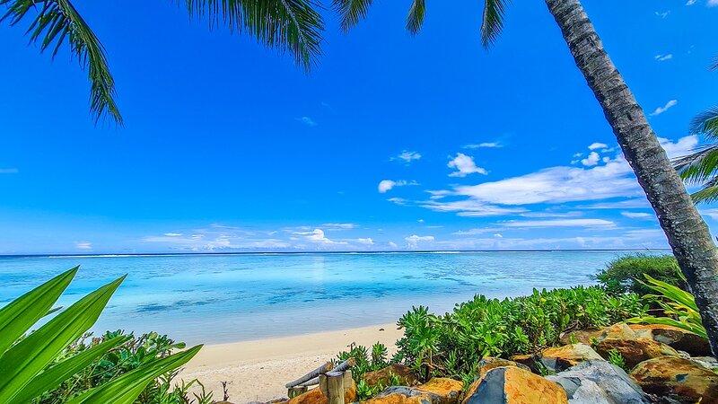 Beach Vibe Executive House Luxury Beachfront, holiday rental in Muri