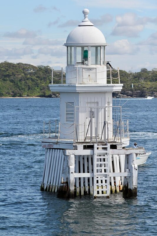 5 mins drive to Robertsons Point Lighthouse