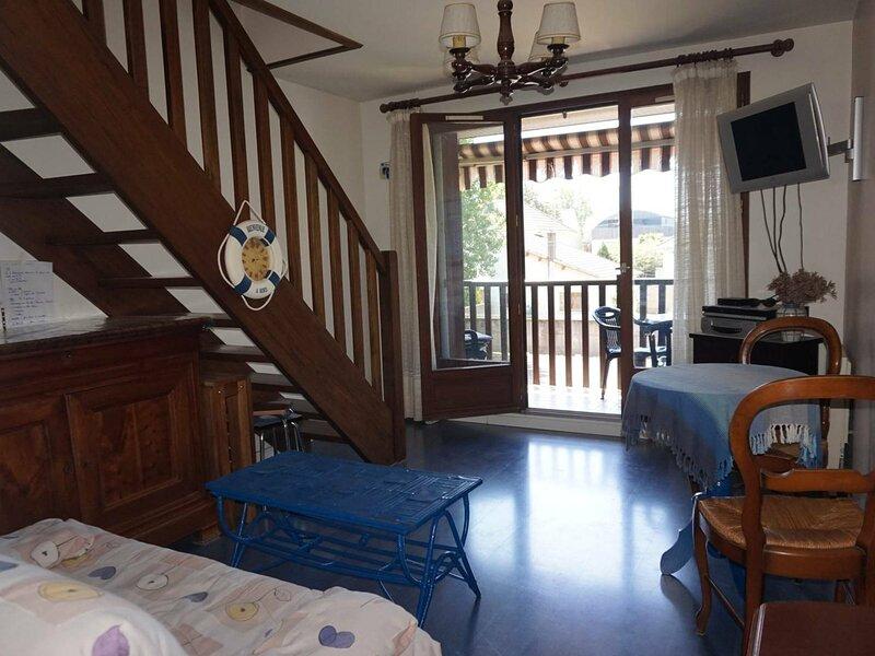 A 150 m de la plage, appartement en duplex pour 4 personnes, holiday rental in Petiville