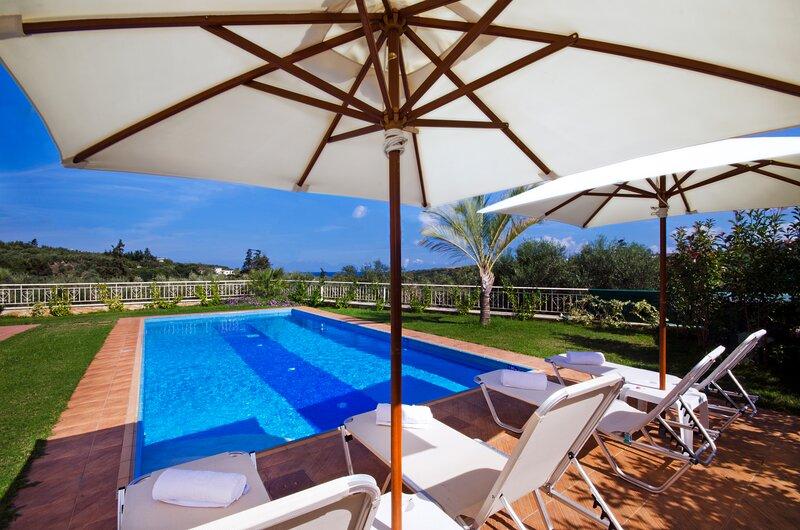 Villa Moma, vacation rental in Gerani