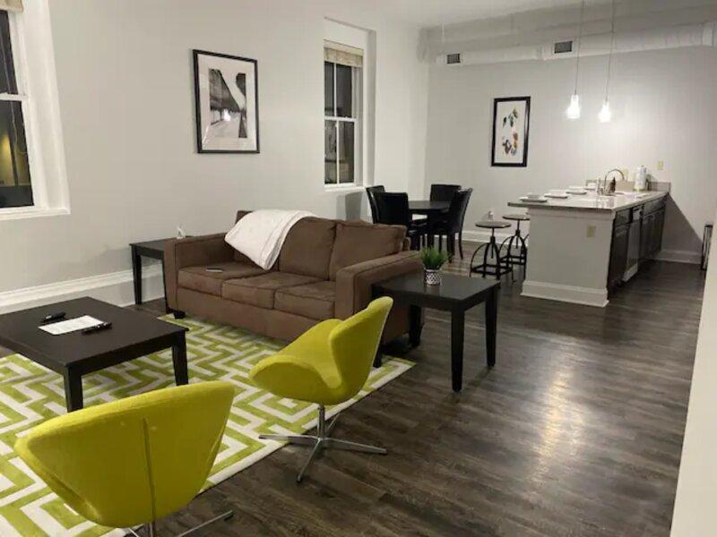 Smart Modern Contemporary 1 Bedroom 1 Bath Apt., location de vacances à Lake Cormorant