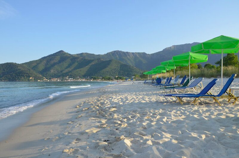 Hotel Georgia - Spacious and bright rooms near Golden Beach in Thassos island, holiday rental in Kinyra