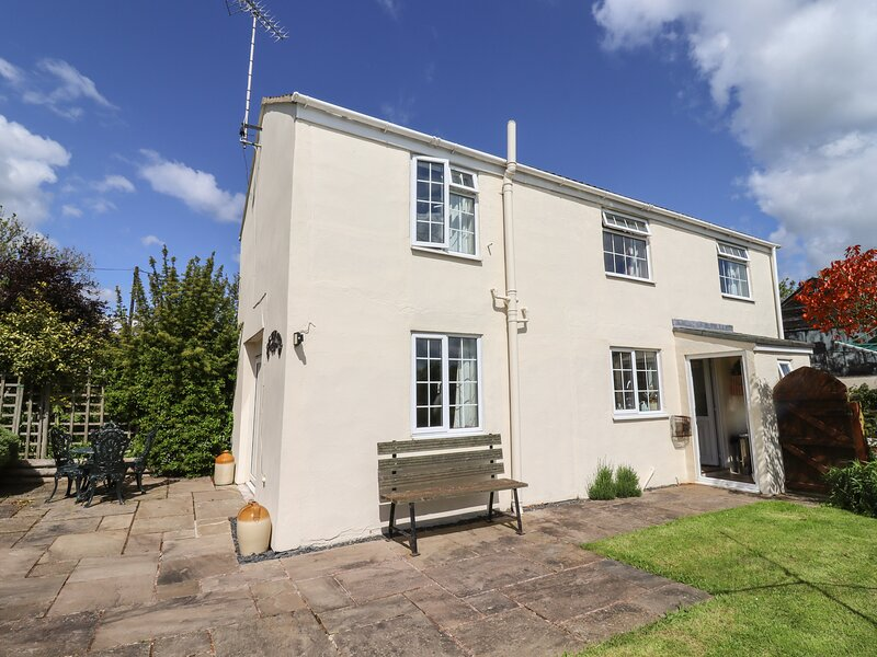 Vine Tree Cottage, Gloucester, holiday rental in Churcham