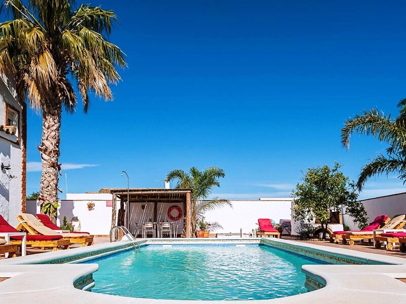Apartment B with pool only for families – semesterbostad i Fuente del Gallo