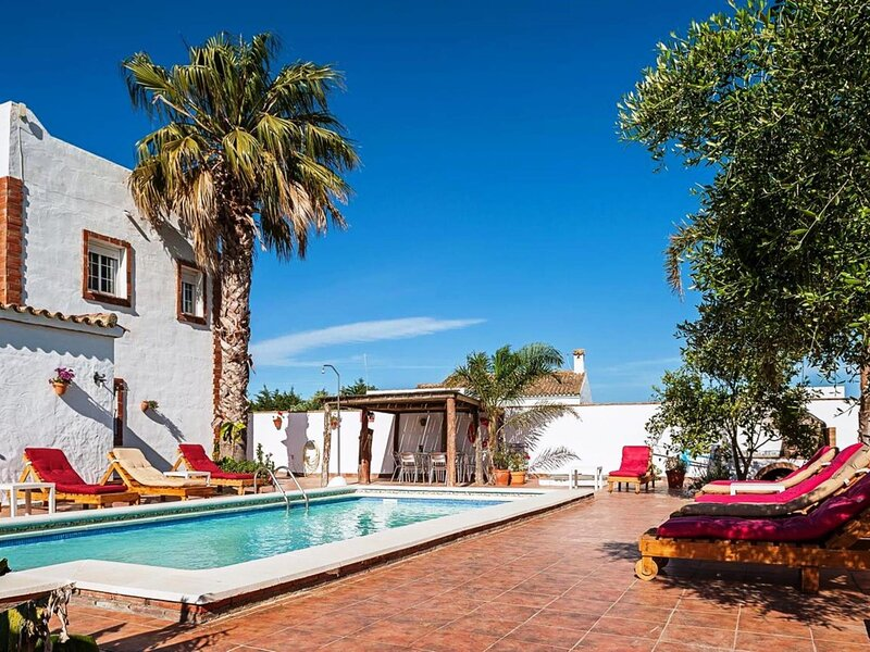 House Mayo with a pool for families only – semesterbostad i Fuente del Gallo