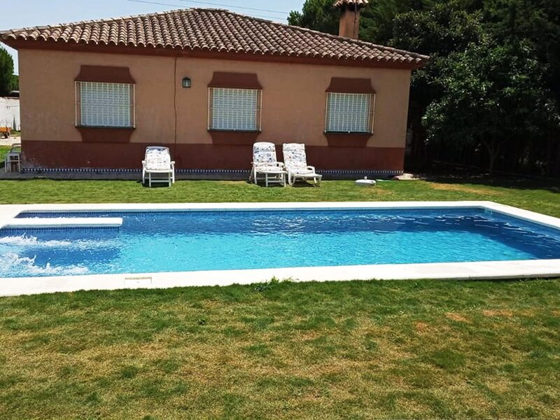 villa with private pool Chiclana, holiday rental in Pago del Humo