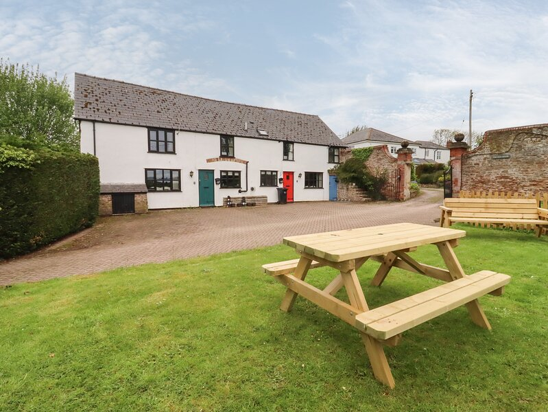 April Cottage, Ross-On-Wye, holiday rental in Much Birch