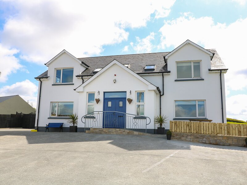 Inish Way Apartment 2, Carndonagh, County Donegal, location de vacances à Clonmany