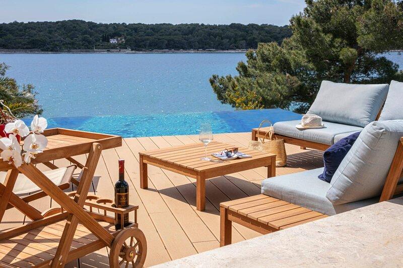 Villa del Mar 5 stars Apartment, holiday rental in Mali Losinj