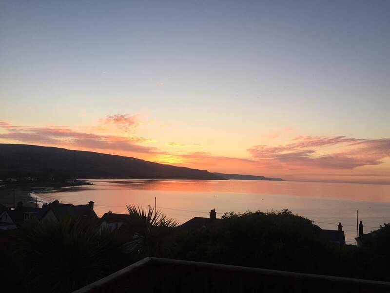 1-Bed Apartment in with sea views, Ballygally,, vacation rental in Islandmagee