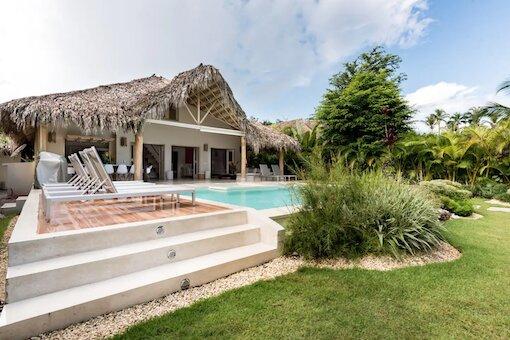 AREKUNA, villa à 150 m de la mer, piscine privée, 5 chambres / 10 personnes, holiday rental in Nagua