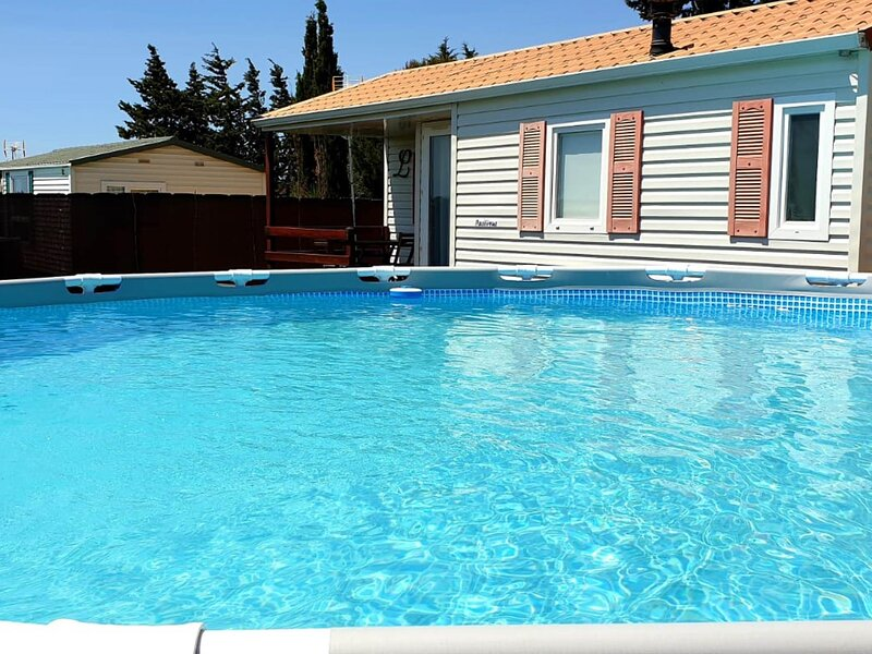 Bungalow with private pool, A/C and BBQ II, holiday rental in Roche