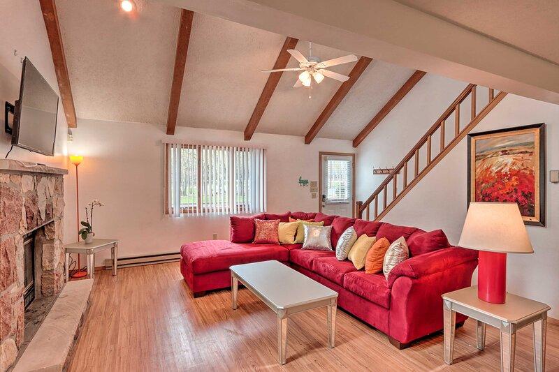 NEW! Rustic Poconos Home w/ Grill, Steps to Beach!, holiday rental in Pocono Mountains Region