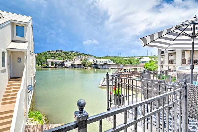 NEW! Horseshoe Bay Townhome Nestled on the Water!, holiday rental in Horseshoe Bay